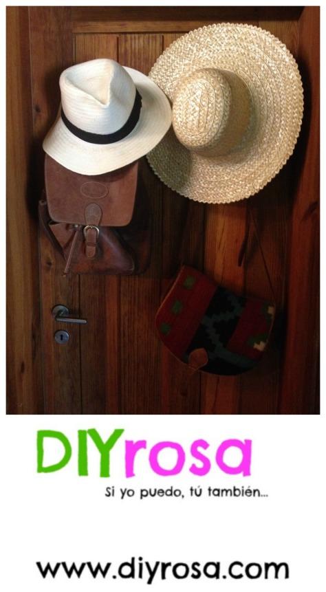 Utiliza la Puerta para Poner Sombreros y Bolsas